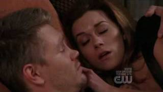 Download One Tree Hill 6x10 Lucas and Peyton ″Who wouldn't fall in love with you?″ Video