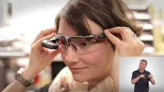 Download Datenbrille erleichtert Gehörlosen die Arbeit in der Lagerlogistik Video