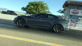 Download Tesla P90D Ludicrous vs Tesla P100D Ludicrous Video