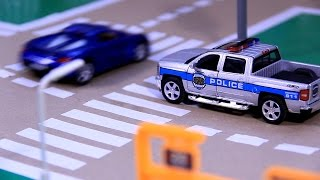 Download POLICE CHASE & CRASH with Police Car & Racing Car Video for Kids Video