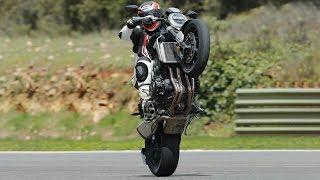Download Honda CB1000R 2018: Το οδηγούμε σε Ελλάδα και Ισπανία Video