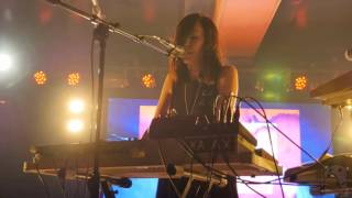 Download Elohim - She Talks Too Much [4K] (live @ Webster Hall Marlin Room 10/15/15) Video