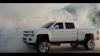 Download TALL FAST & FULL OF TORQUE Chevy High Country does a badass burnout! Video