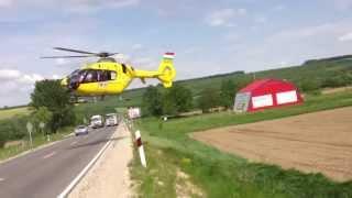 Download Súlyos autóbaleset, helikopteres (EC135) mentés a 76-os úton. Video