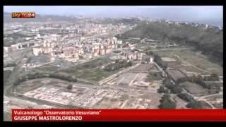 Download Napoli, tra il Vesuvio e il vulcano dei Campi Flegrei Video