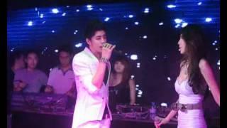 Download Yêu làm chi - Thủy Tiên ft Noo Phước Thịnh.flv Video