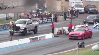 Download 2012 Nissan GTR vs Dodge Ram Cummins Video