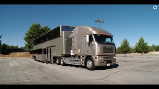 Download Celebrity Motor Homes (Will Smith 2 Story Trailer) Video