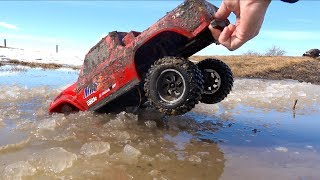 Download Son Maurice Goes ROOF DEEP! Moe & Dad Gone Muddin'! Traxxas TRX4 Axial SMT10 | RC ADVENTURES Video