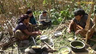 Download cooking and eating in the field during corn harvesting || lajimbudha || Video
