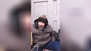 Download Жена главного тренера ФК ″Зенит″ помогла бомжу из Мурманска Video