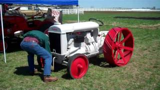 Download Starting a 1919 Fordson tractor. Video