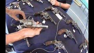 Download Les armes en vente libre de calibre 11mm et 450 poudre noire. Armes ancienne collection. Video