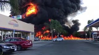 Download Tanker blows up, killing driver in Fresno, California Video