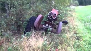 Download Hylätty traktori Video