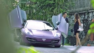 Download Picking up Uber riders with a McLaren - AutoBuzz.my Video