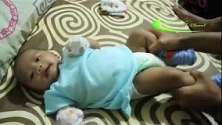 Download Melancarkan Buang Air Besar Bayi (BAB Bayi) dengan pijat dan gerakan mengayuh sepeda Video
