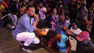 Download Travis Greene Flowing in Worship, Prophetic and Healing at TrueWorshippers DMV Conf 2017 Video