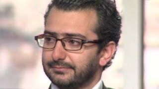 Download الشاعر هشام الجخ - يبكي والدته في قصيدة ″مصلتش العشا″ ويبكي معه الحضور - حلوة يا دنيا Video