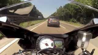 Download Suzuki GSXR 750 vs BMW S1000RR (GoPro Hero 2) Video
