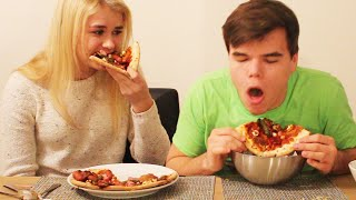 Download GROSS PIZZA CHALLENGE WITH GIRLFRIEND! Video