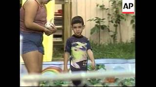 Download USA: ELIAN GONZALEZ - CUBAN OFFICIALS REFUSED Video