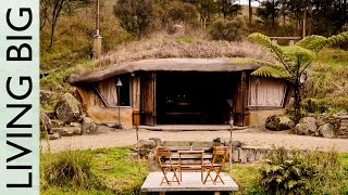 Download Magical Hobbit-Like Eco Cave House Video