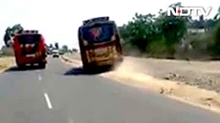 Download Video Of 2 Racing Buses In Coimbatore Goes Viral, Licences Of Drivers Suspended Video