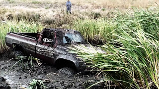 Download CHEVY WITH 454 & 49S MUDDIN Video