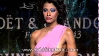 Download Indian women model sarees and designerwear at a Suneet Verma fashion show Video