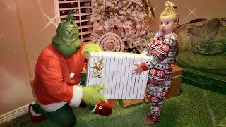 Download THE GRINCH Stole My BIRTHDAY! Video