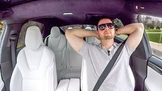 Download Why The $150,000 Tesla Model X IS THE BEST SUV EVER!!! Video