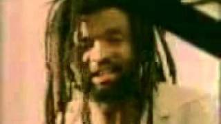 Download Lucky Dube,Mama Video