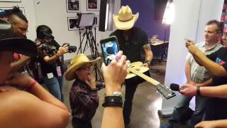 Download Austin meeting his idol, Jason Aldean! Video