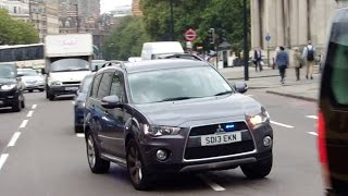 Download 5x Unmarked Police Cars Responding Video