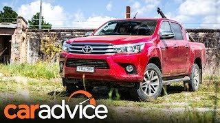 Download 2017 Toyota Hilux SR5 review | CarAdvice Video
