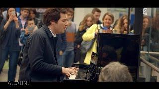 Download Vianney chante Pas Là, live surprise à la Gare de Lyon ! Video