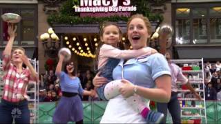 Download Waitress - Macy's Thanksgiving Day Parade 2016 Video