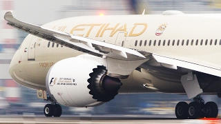 Download BOEING 787 and AIRBUS 350 Departure - Direct Comparison in 4K Video