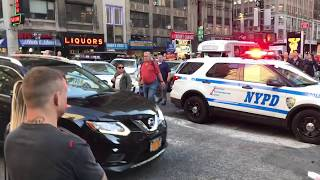 Download NYPD MAKING A DRAMATIC TRAFFIC STOP ON WEST 39TH ST. IN HELL'S KITCHEN, MANHATTAN, NEW YORK. Video