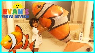 Download GIANT Remote Control Air Swimmers Flying Clownfish toy Video