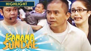 Download Banana Sundae: Mayor Jason receives a death threat! Video