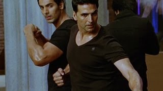 Download Akshay & John have a hot body Video