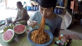 Download กินมาม่าเผ็ดเกาหลี แบบลูกอีสาน Video