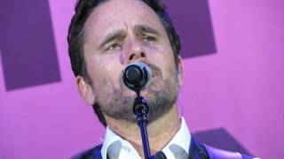 Download Charles Esten - I know how to love you now Video