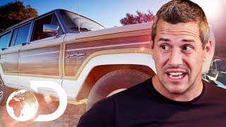 Download Shabby Old Jeep Grand Wagoneer With A Bedsheet In The Roof   Wheeler Dealers Video