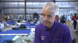 Download Houston furniture store owner opens doors to flood victims Video