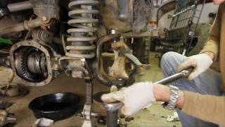 Download How-To replace Dana 30 and 44 Ball Joints part 3 of 3 (steering knuckle installation, preload) Video