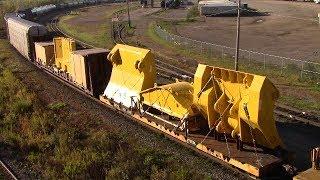 Download Large Dimensional Loads! CN Train 305 at Gordon Yard & Berry Mills, NB (Oct 7, 2017) Video