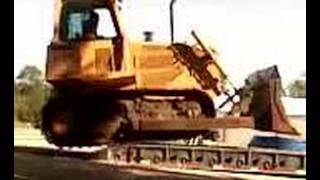 Download Loading a John Deere 850 bulldozer Video